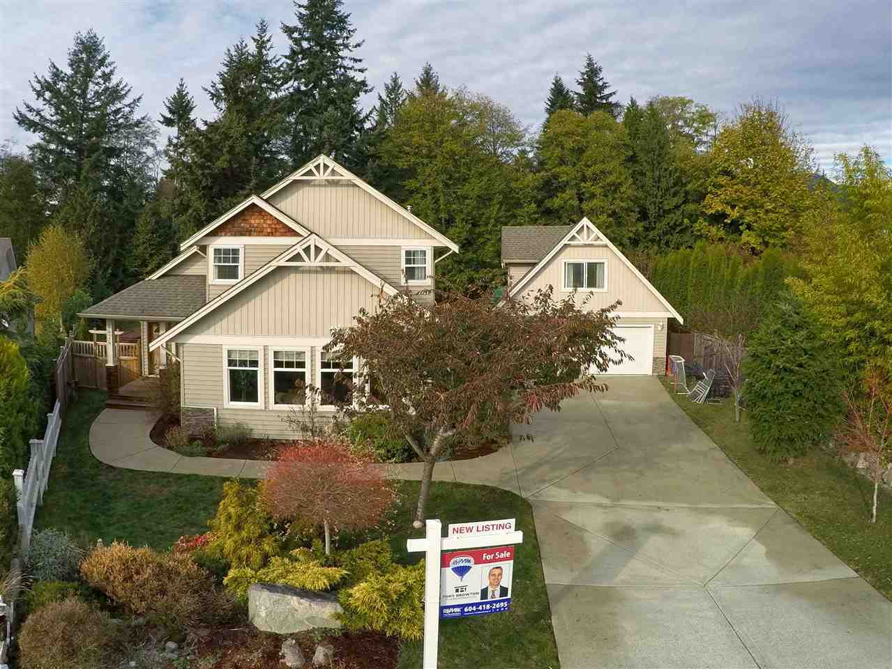 1474 SUNSET PLACE - Gibsons & Area House/Single Family for sale, 4 Bedrooms (R2220208) #1
