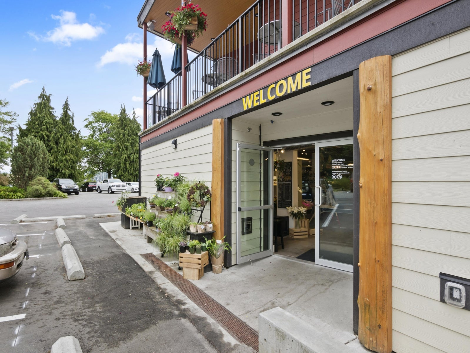 MARKET FLOWER SHOP      1 - 473 Gower Point Road, Gibsons BC V0N1V0 - Gibsons & Area COMM for sale(C8019459) #10