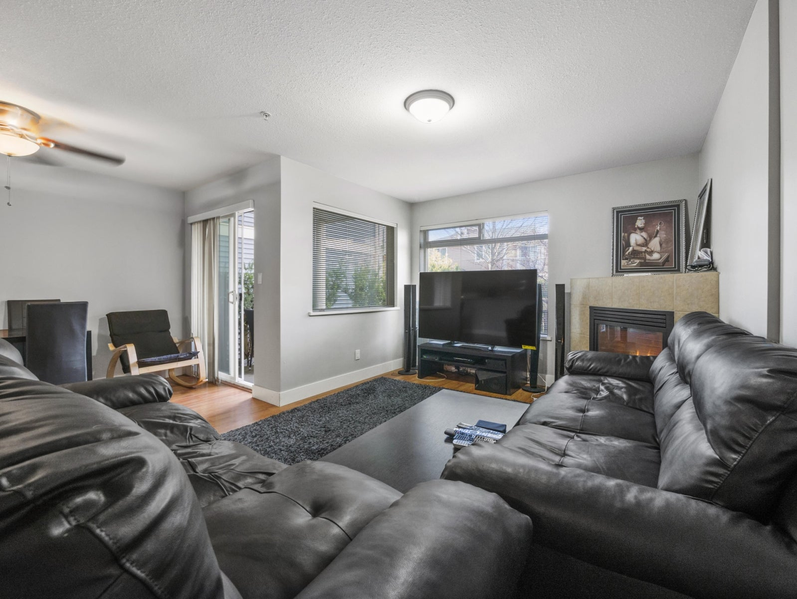 11 624 SHAW ROAD - Gibsons & Area Townhouse for sale, 3 Bedrooms (R2234910) #1