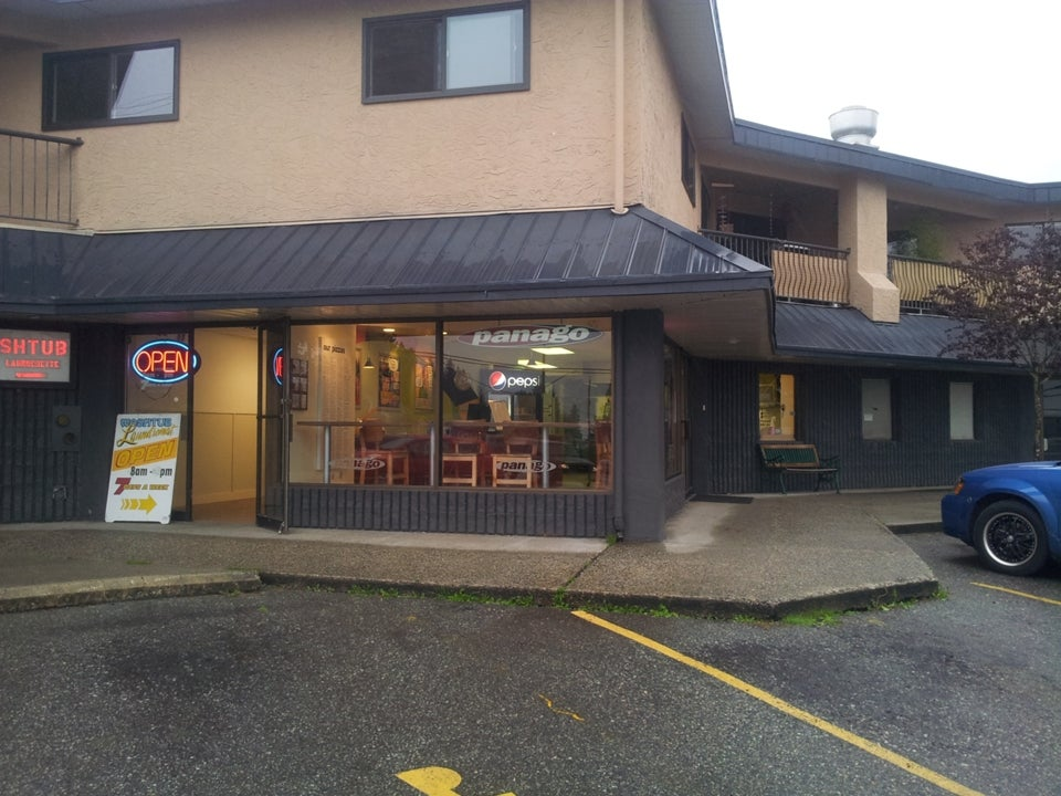PANAGO PIZZA - Gibsons & Area COMM for sale(V4037671) #1
