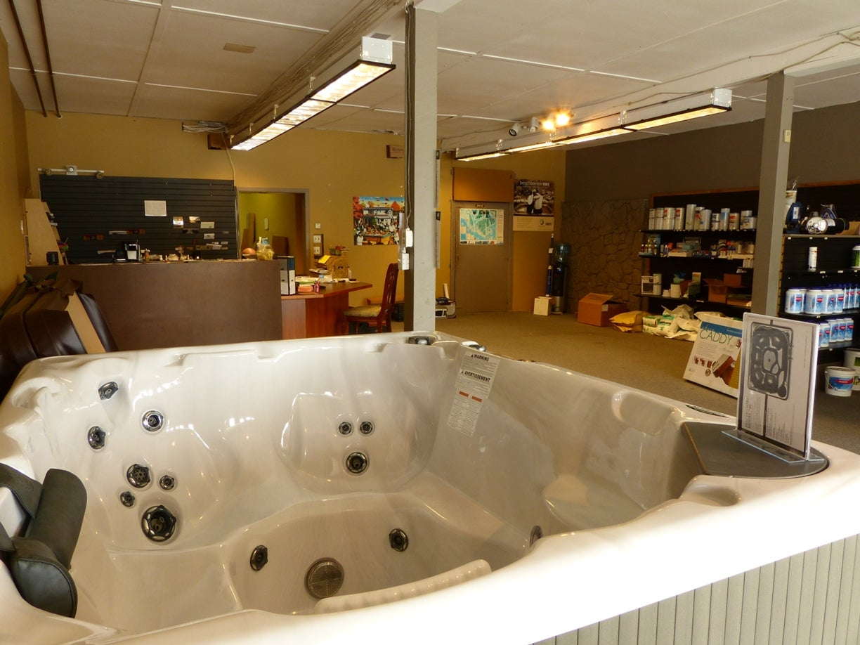 Beachcomber Hottub and Spa - Sechelt District COMM for sale(C8005027) #4