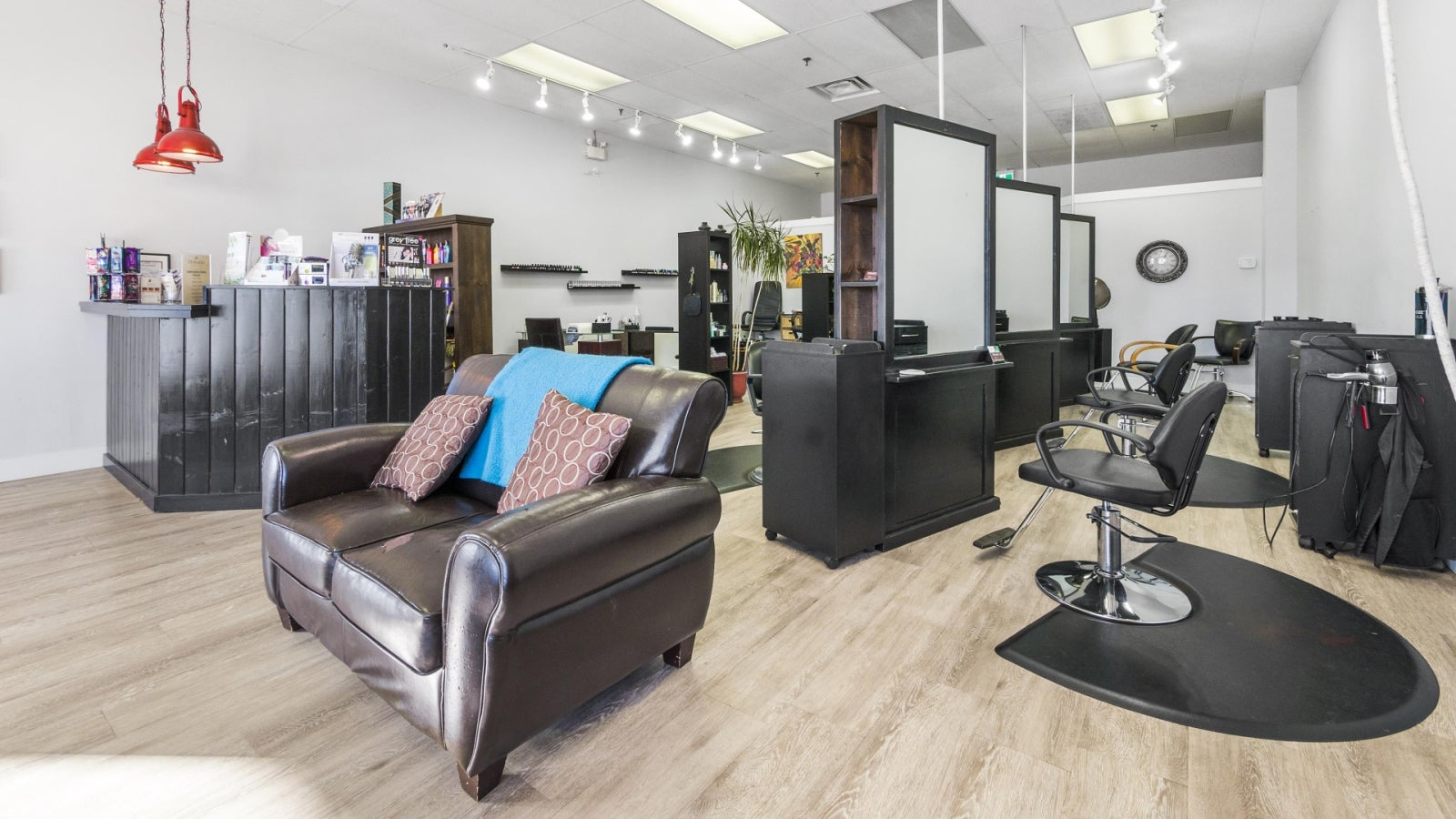 Dorado Beauty Bar 111, 1111 Sunshine Coast Highway - Gibsons & Area COMM for sale(C8017219) #9