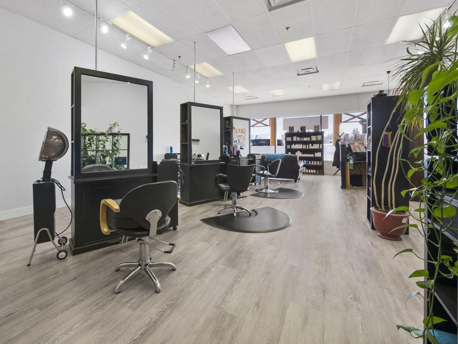 Dorado Beauty Bar 111, 1111 Sunshine Coast Highway - Gibsons & Area COMM for sale(C8017219) #7
