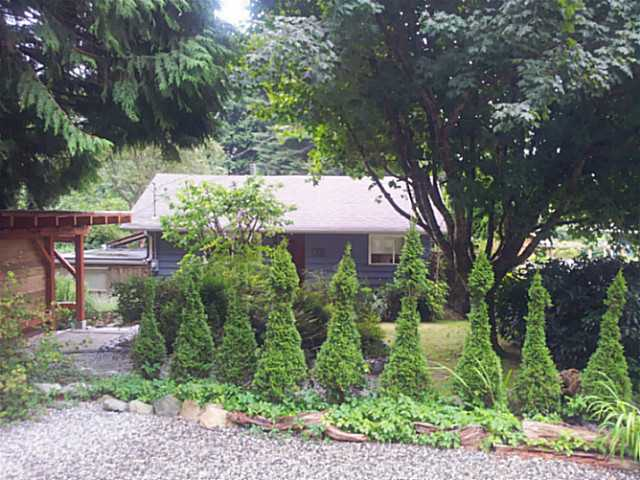 985 ROSAMUND RD - Gibsons & Area House/Single Family for sale, 3 Bedrooms (V1024814) #1