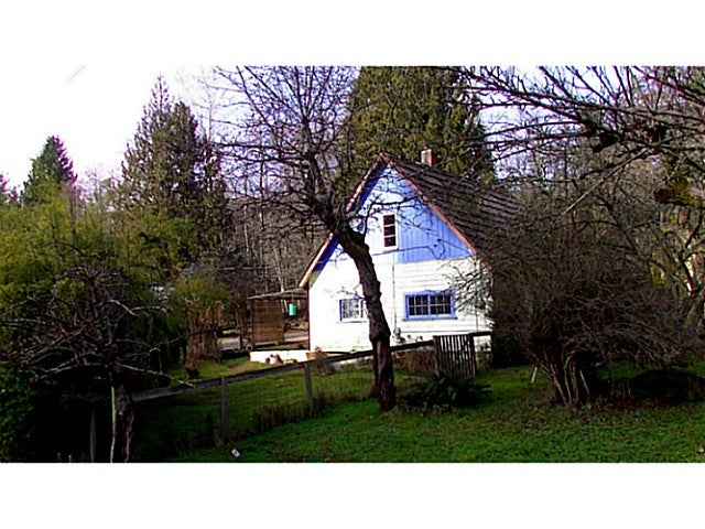 935 NORTH RD - Gibsons & Area House with Acreage for sale, 2 Bedrooms (V1043947) #2