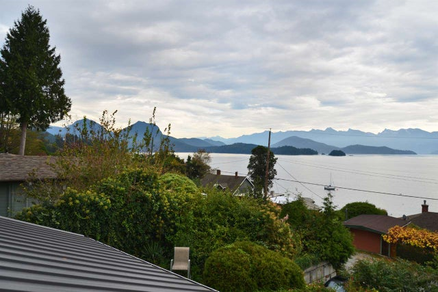 1115 POINT ROAD - Gibsons & Area House/Single Family for sale, 3 Bedrooms (R2007640) #10