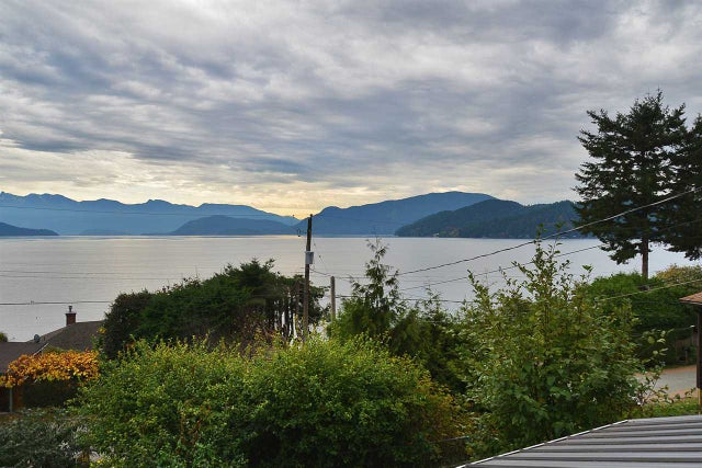1115 POINT ROAD - Gibsons & Area House/Single Family for sale, 3 Bedrooms (R2007640) #11