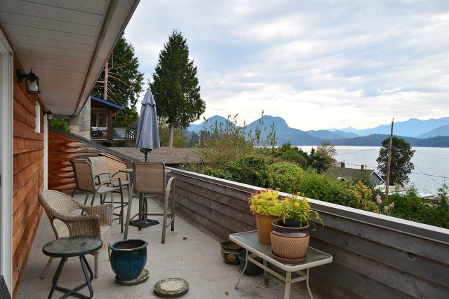 1115 POINT ROAD - Gibsons & Area House/Single Family for sale, 3 Bedrooms (R2007640) #1