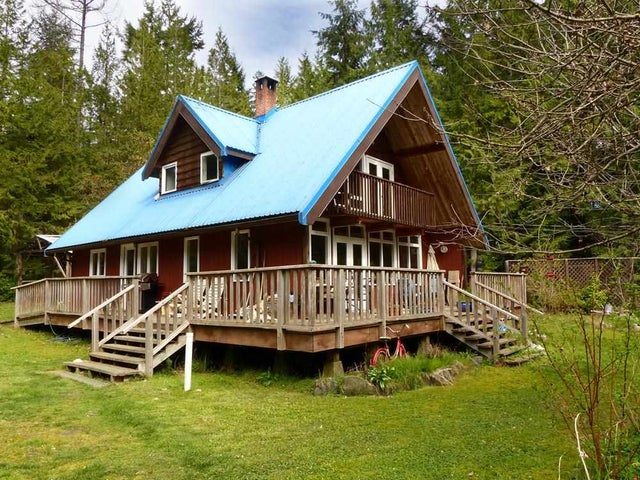 3186 HANSEN ROAD - Roberts Creek House with Acreage for sale, 3 Bedrooms (R2049665) #1