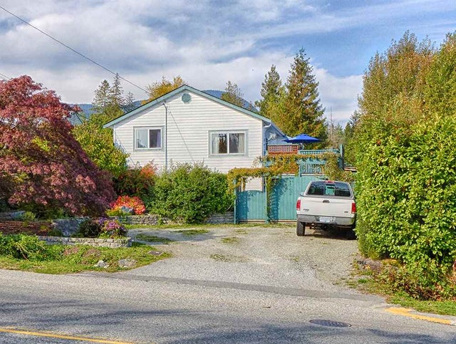 702 GIBSONS WAY - Gibsons & Area House/Single Family for sale, 4 Bedrooms (R2113201) #1