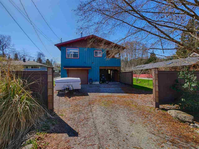 657 DOUGALL ROAD - Gibsons & Area House/Single Family for sale, 3 Bedrooms (R2152073) #1