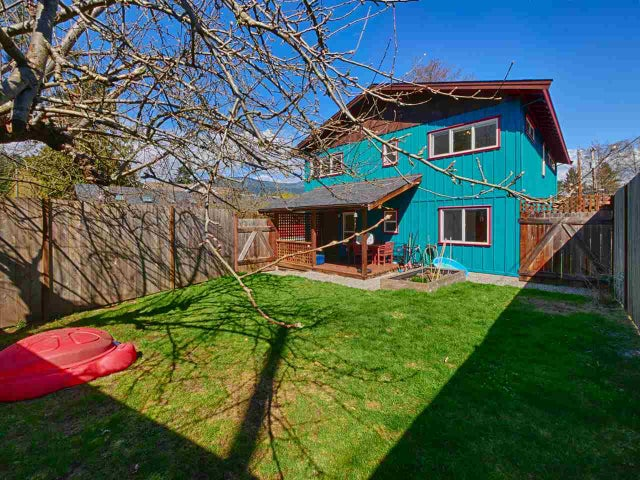 657 DOUGALL ROAD - Gibsons & Area House/Single Family for sale, 3 Bedrooms (R2152073) #4