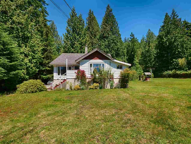 2706 SUNSHINE COAST HIGHWAY - Roberts Creek House/Single Family for sale, 4 Bedrooms (R2179727) #1