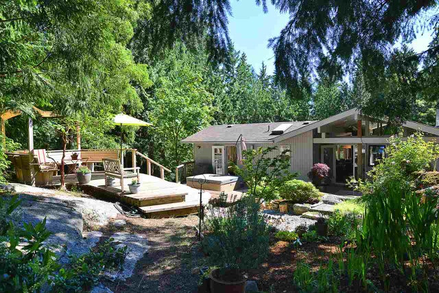 3194 HANSEN ROAD - Roberts Creek House with Acreage for sale, 3 Bedrooms (R2181582) #1