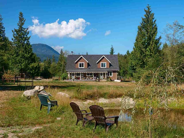 392 MAHAN ROAD - Gibsons & Area House with Acreage for sale, 5 Bedrooms (R2198868) #1
