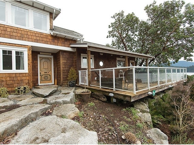 552 Seaview Road, Gibsons BC V0N1V9 - Gibsons & Area House/Single Family for sale, 2 Bedrooms (V1052244) #1